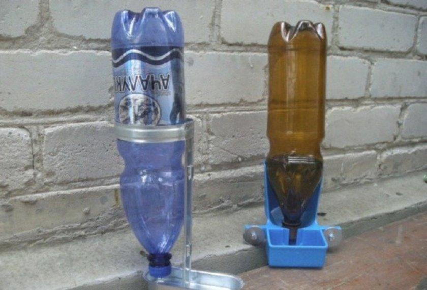 Поилка с пластиковых бутылок подробно фото
